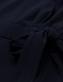 'Amina' Klänning i Dark Blue By Malina närbild