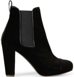 'Carmen' Velvet Boots i Black Penelope Chilvers sida