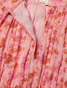 Chiffon Dress i Pink Garden By TiMo nära