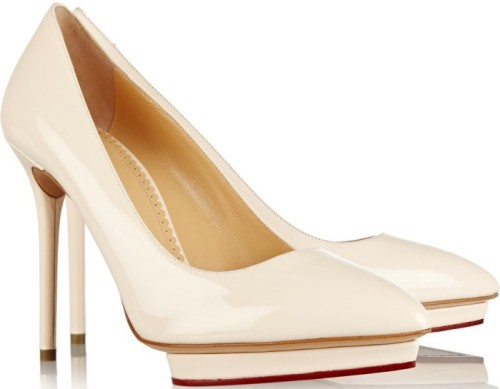 'Debbie' Patent Leather Pumps i Beige Charlotte Olympia