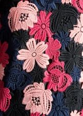 Floral Crochet Dress i Pink & Other Stories närbild
