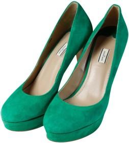 Gröna pumps By Malene Birger snett fram