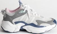 'Magmur' Runner Sneakers i Glow Blue Blue Tint Crystal White Adidas sida