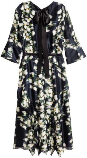 Mönstrad sidenklänning i Mörkblå blommig H&M bak