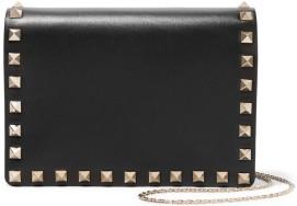 The Rockstud Leather Shoulder Bag i Black Valentino