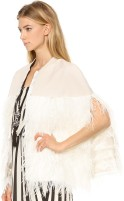 Lochan Ostrich Feather Cape i Cream By Malene Birger sida