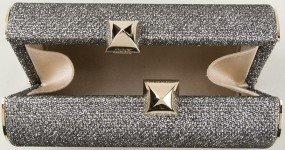 mini-charm-clutch-i-metallic-jimmy-choo-inuti