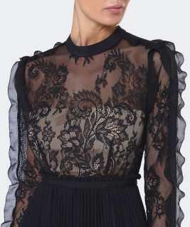 'Moni' Maxi Dress i Black Self Portrait närbild