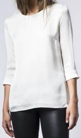 hisako-blouse-i-off-white-ahlvar-fram