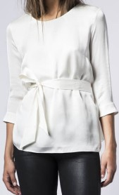 hisako-blouse-i-off-white-ahlvar-hel