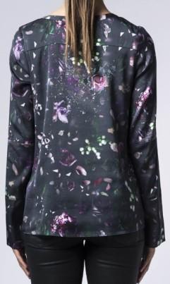 kasumi-flower-blouse-i-multi-ahlvar-bak