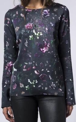 kasumi-flower-blouse-i-multi-ahlvar-fram