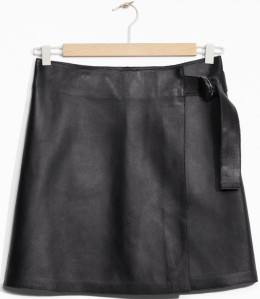Wrap Leather Skirt i Black & Other Stories