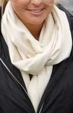 Beige scarf 15 juni 2009