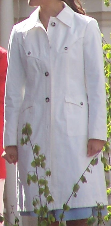 Vit trenchcoat 6 juni 2006