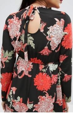 Maternity Maxi Dress with Long Sleeve i Floral Print ASOS närbild